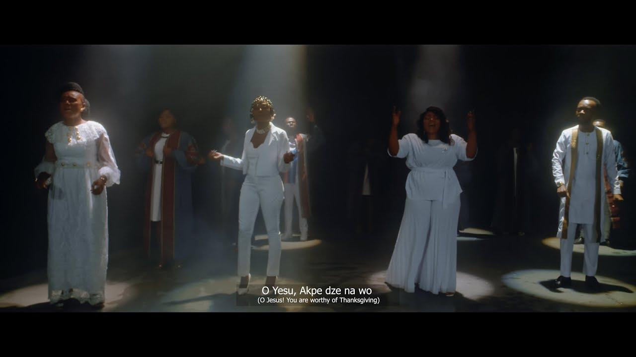 Celestine Donkor – Thank You (Yedawase) ft Efya x Akwaboa x Maa Cynthia (Official Video)