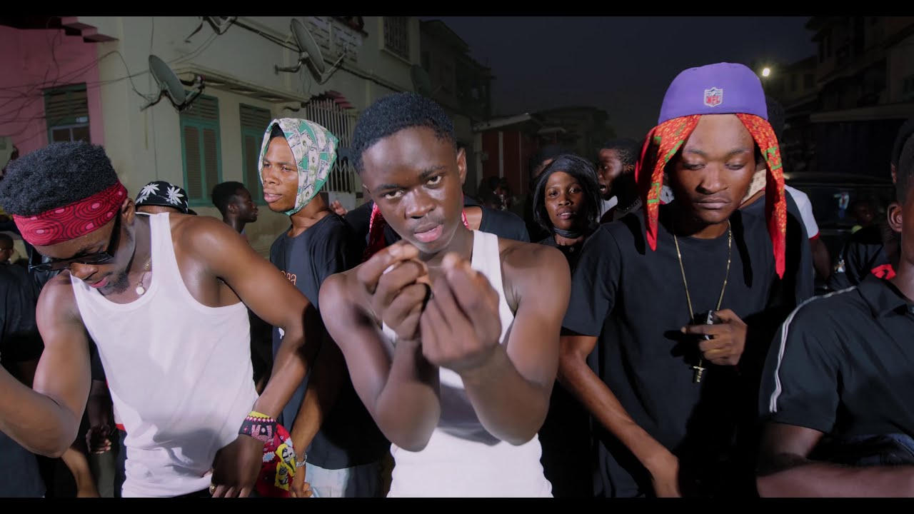 Kweku Darlington – Sika Aba Fie Ft Yaw Tog & Kweku Flick (Official Video)